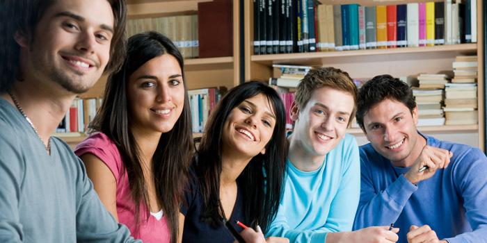 El Gobierno dará ayudas a jóvenes parados que quieran terminar de estudiar la ESO