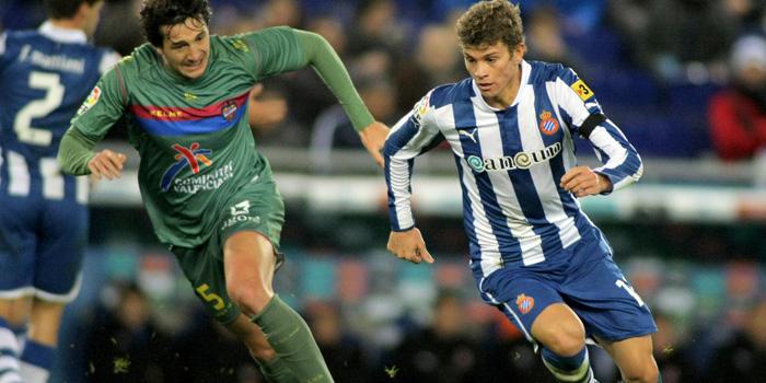 INAV acuerda con AFE que sus futbolistas puedan sacarse el título oficial de graduado en ESO online