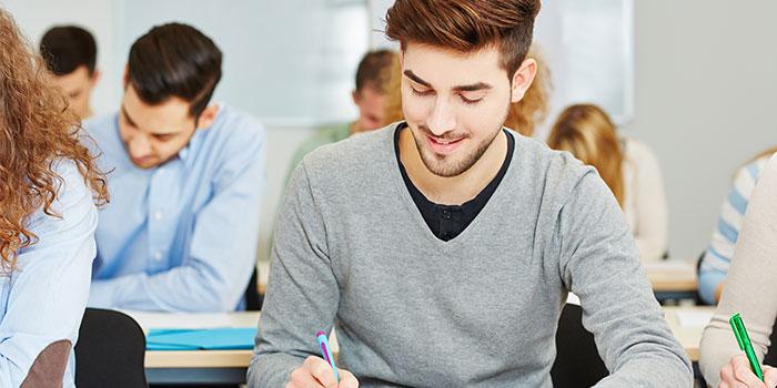 Andalucía convoca las pruebas libres para la obtención del título de Graduado en ESO para mayores de 18 años