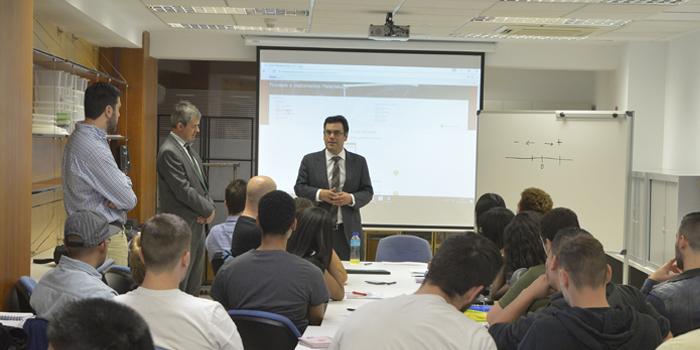 El Director General de Becas de la Comunidad de Madrid inaugura el curso de Graduado en ESO de INAV