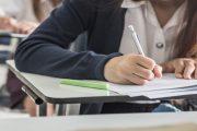 Varias CCAA permiten que los alumnos obtengan el título de la ESO con dos suspensos y sin recuperación