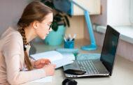 Nueva vía para los alumnos de 16 y 17 años que no puedan ir al instituto: Podrán estudiar Educación para Adultos online